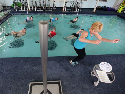 senior-pool-fitness-aqua-biking